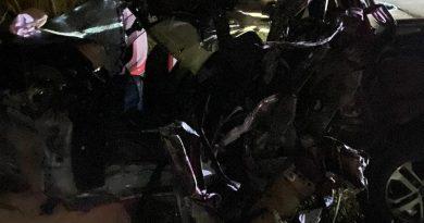 Candeias: Homem morre após acidente entre carreta e caminhonete na 354