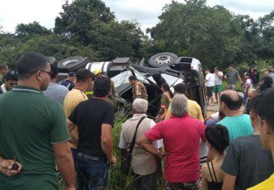 Motorista de carreta e filho morrem em acidente em Claudio